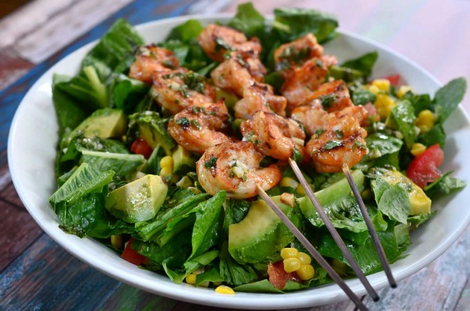 grilled-shrimp-taco-salad